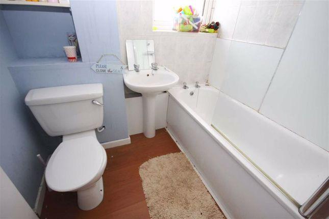 Bathroom of Mendip Road, Leyland PR25