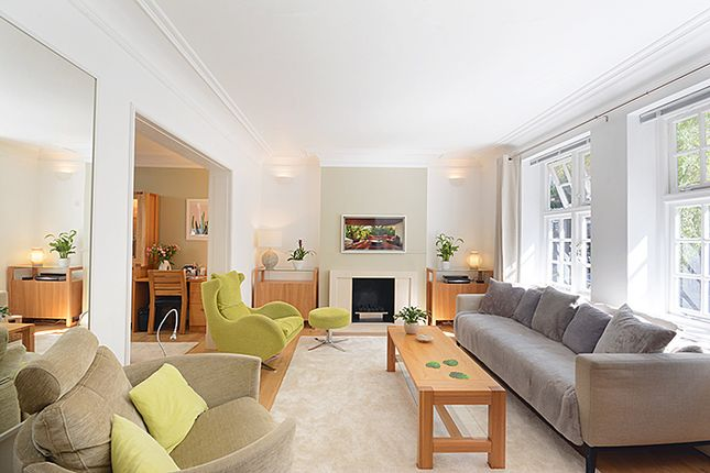 Maisonette to rent in De Walden Street, London