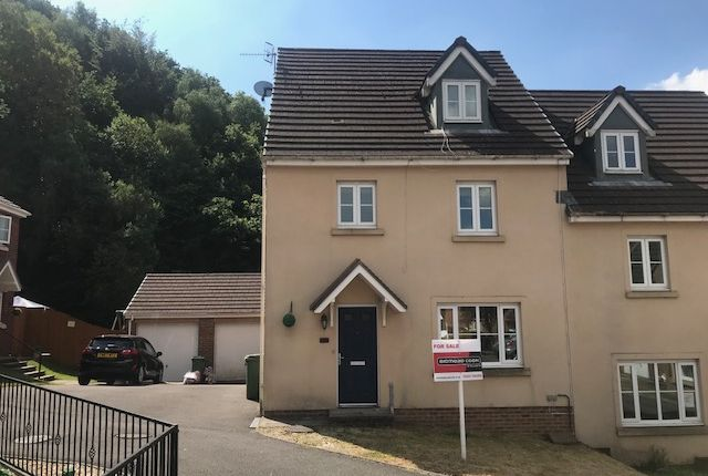 Thumbnail Property for sale in Glas Y Gors, Aberdare