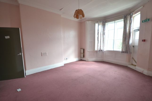 Thumbnail Semi-detached house to rent in Beeches Road, West Bromwich