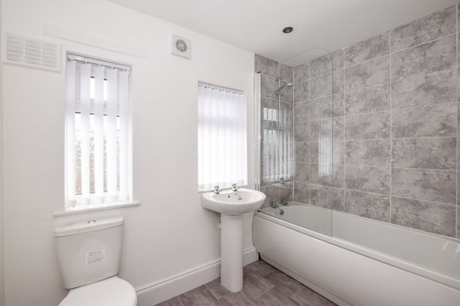 Bathroom of Burns Close, Great Sutton CH66