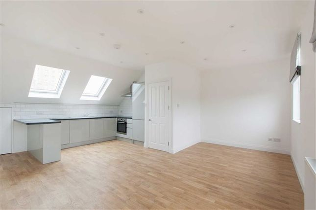 Thumbnail Flat to rent in Lexden Road, London
