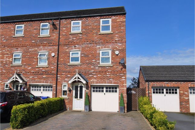 4 bed end terrace house for sale in Horsley Road, Gainsborough