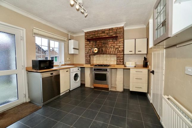 Thumbnail Terraced house for sale in Long Street, Thirsk