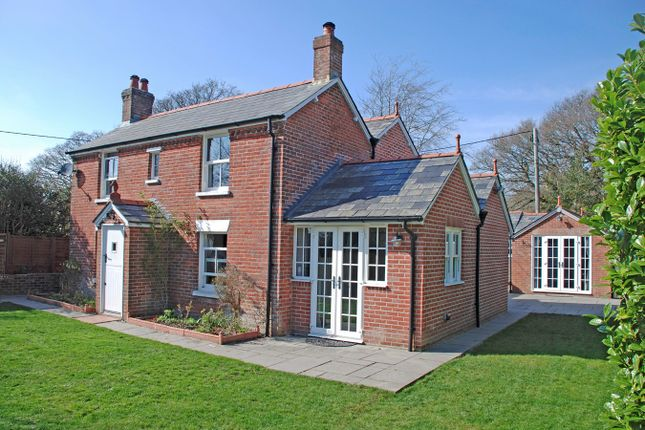 Thumbnail Cottage for sale in Bashley Road, New Milton