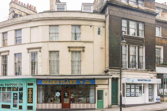 Thumbnail Flat to rent in Cleveland Place West, Bath