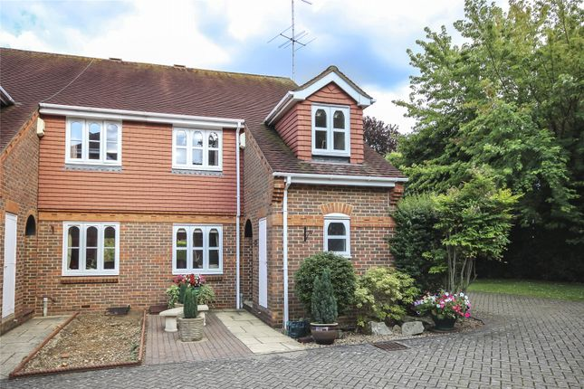 Thumbnail Property for sale in Sir Josephs Walk, Harpenden, Hertfordshire