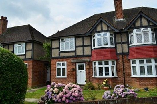 2 bed maisonette to rent in Tregenna Close, Chase Road, London