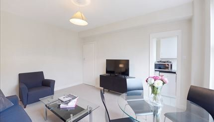 1 bed flat to rent in Hill Street, Mayfair, London