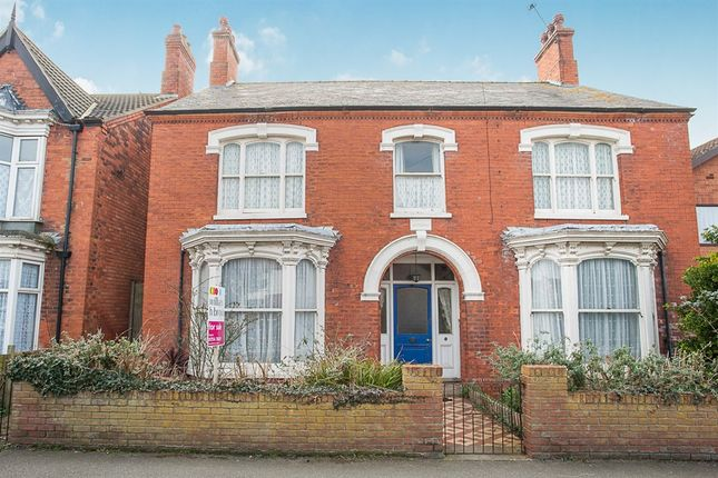 Thumbnail Detached house for sale in George Street, Mablethorpe