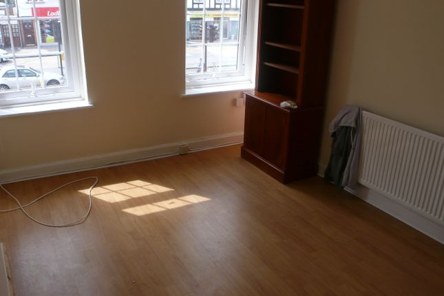 Thumbnail Flat to rent in Long Lane, Hillingdon