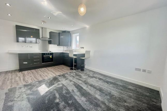 2 bed flat to rent in Lostock Court, Lostock Lane, Bolton, Lancashire. BL6