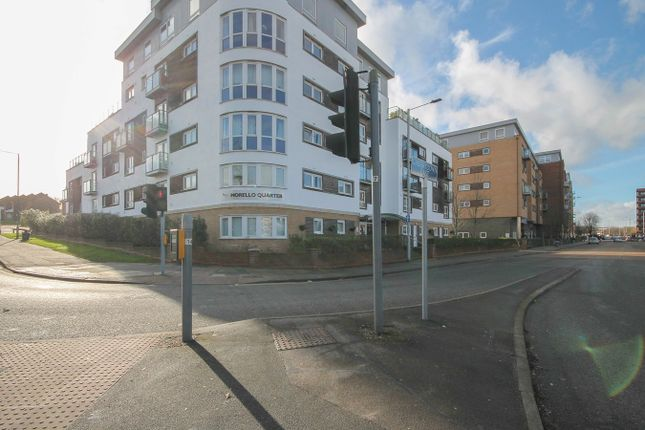 Thumbnail Flat for sale in Cherrydown East, Basildon