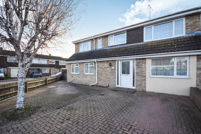 Thumbnail Detached house for sale in The Chilterns, Canvey Island