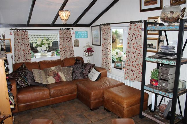 Thumbnail Detached bungalow for sale in Spring Lane, Kearby