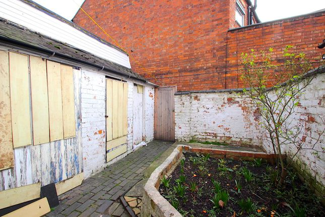 Rear Courtyard of Upperton Road, Leicester LE3