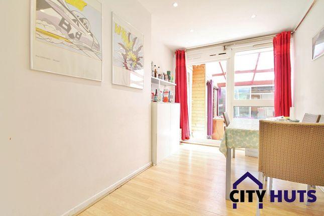 Thumbnail Maisonette to rent in Bemerton Estate, London