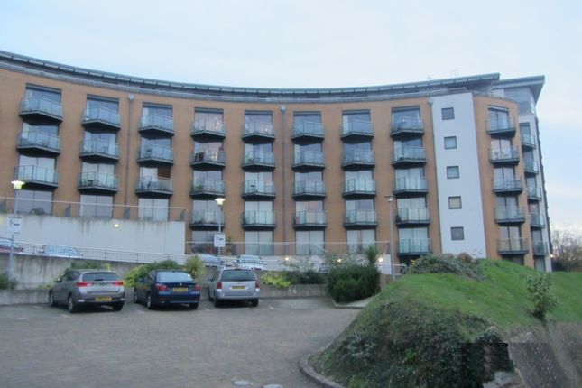 Thumbnail Flat to rent in The Eye, Barrier Road, Chatham, Kent