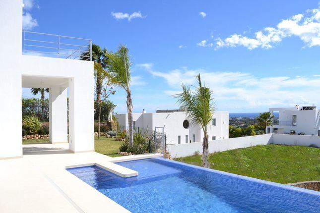 Villa for sale in Puerto Del Capitan, Costa Del Sol, Spain