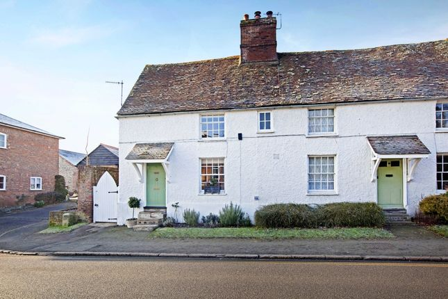 Thumbnail Cottage to rent in High Street, Great Missenden