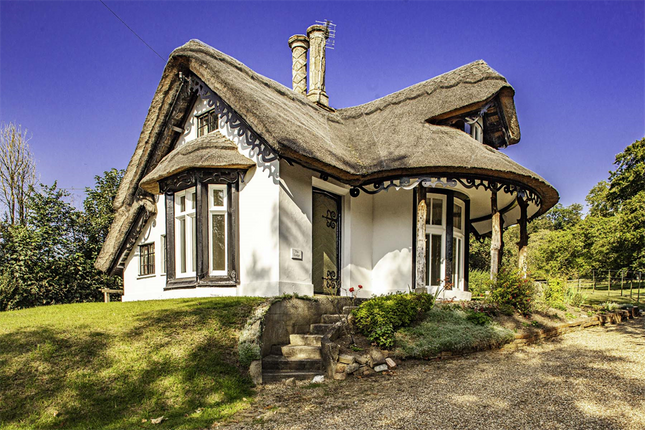 Thumbnail Cottage to rent in Sulham Lodge, Sulham