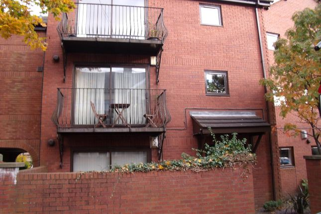 1 bed flat to rent in Pavillion Mews, Jesmond, Newcastle Upon Tyne
