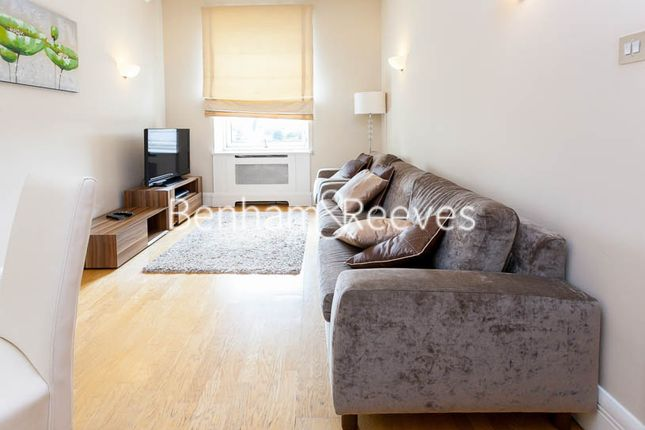 2 bed flat to rent in Belvedere Road, Whitehouse Apartments, Waterloo SE1
