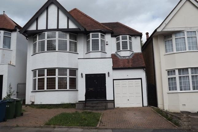 Thumbnail Detached house to rent in Lake View, Edgware, Middlesex