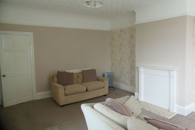 2 bed flat to rent in Arksey Lane, Bentley, Doncaster DN5