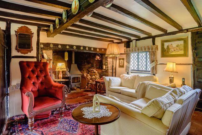 Lounge of North End Road, Steeple Claydon, Buckingham, Buckinghamshire MK18