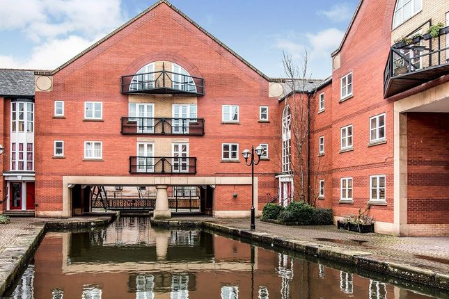 2 bed flat to rent in James Brindley Basin, Manchester, Greater Manchester M1