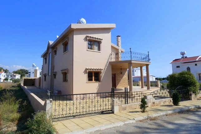 Thumbnail Villa for sale in 4 Bed Villa With Pool On The Beach Side / Iskele, Boğaz, Iskele, Cyprus