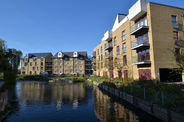 Thumbnail Flat to rent in Kings Island, Kings Mill Way, Uxbridge