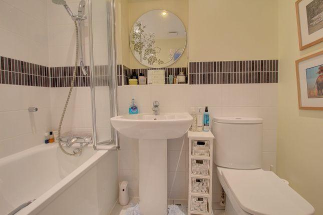 Bathroom of Hall Hurst Close, Loxwood, Billingshurst RH14