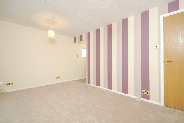Picture No. 15 of Rabournmead Drive, Northolt, Middlesex UB5