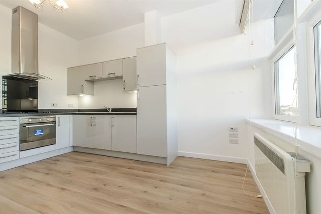 Thumbnail Flat to rent in 4-8 Millbrook Road East, Shirley, Southampton, Hampshire