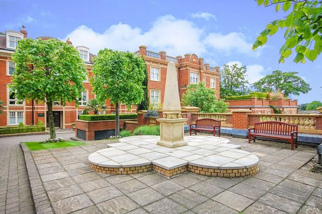 1 bed flat for sale in Gainsborough House, Mount Vernon, Frognal Rise, London