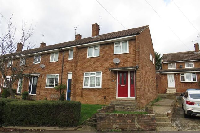 Thumbnail Property to rent in Oak Street, Hemel Hempstead