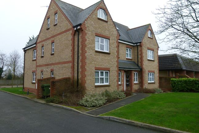 Thumbnail Flat to rent in Beech Trees Road, High Wycombe