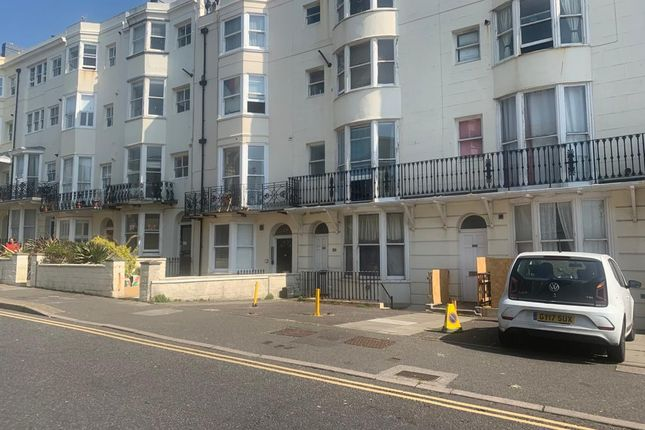 Thumbnail Flat to rent in Lower Rock Gardens, Brighton