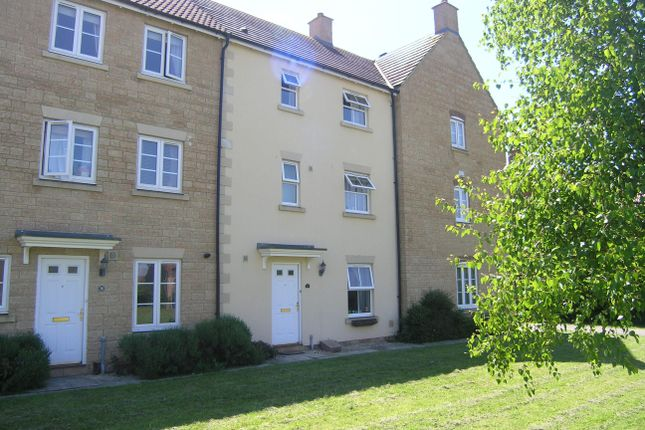 Thumbnail Property to rent in Stickleback Road, Calne