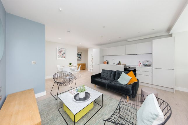 Thumbnail Flat for sale in New Road, Brentwood, Essex
