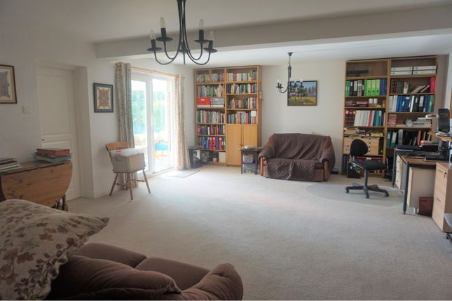 Family Room of Malthouse Close, Trefonen, Oswestry SY10