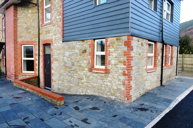 Thumbnail Flat for sale in Gladstone Street, Cross Keys, Newport