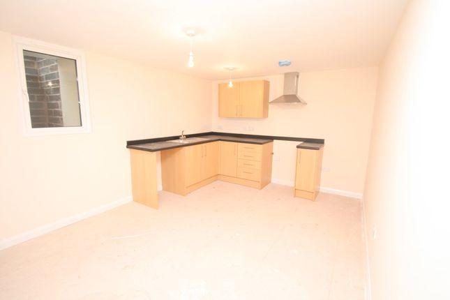 Thumbnail Flat to rent in Upton Road, Torquay
