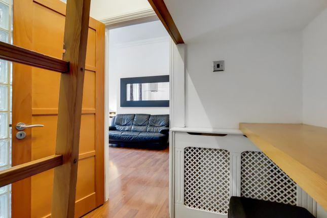 3_Bedroom 3-0 of Queensway, London W2