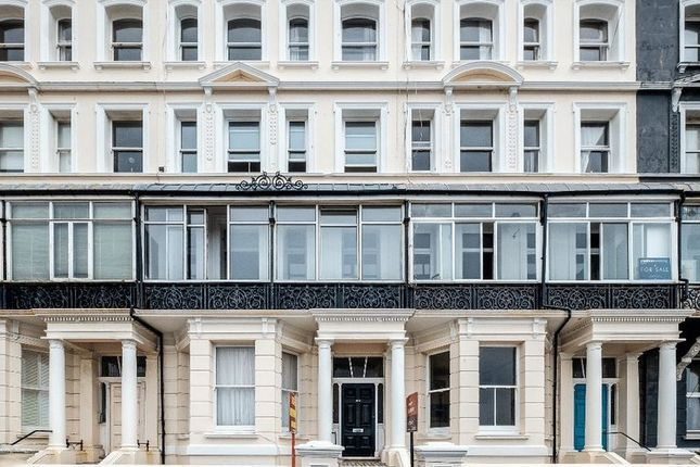 Thumbnail Flat for sale in Kingsway, Hove
