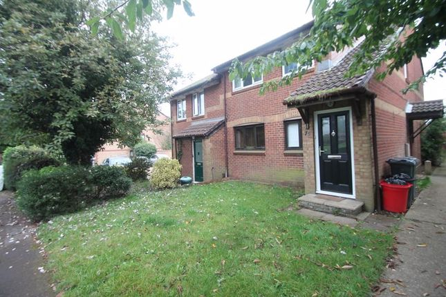 Thumbnail Flat to rent in Holly Gardens, West Drayton