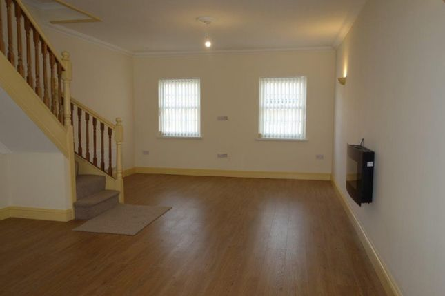 Thumbnail Maisonette to rent in Church Road, Ton Pentre
