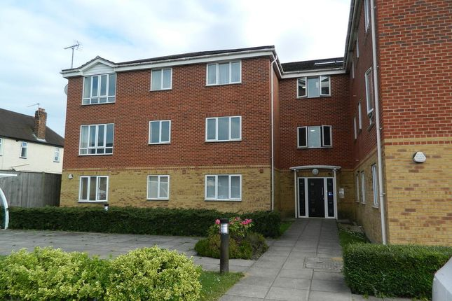 Thumbnail Flat to rent in Oliver Court, Patricia Close, Cippenham, Berkshire